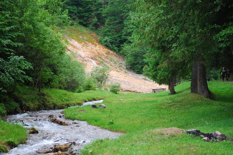 Cascade si lacuri - Cascada Urlatoarea